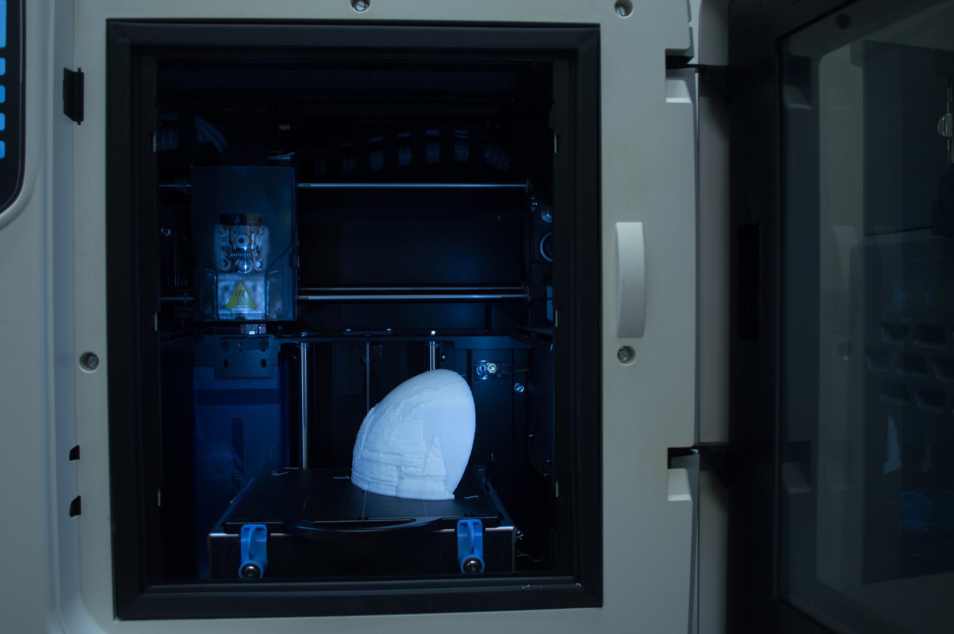 Ian-Nakamoto-Greg-Snider-Globe-3d-Printer-bed-small